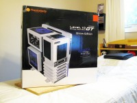 Thermaltake Level 10 GT Snow Edition - box
