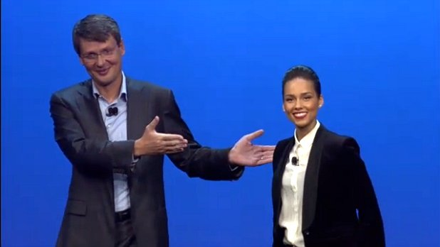 A big hand from Thorsten Heins introduces Alicia Keys as Global Head of BlackBerry creative department