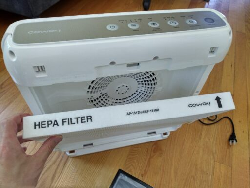 Insrting Coway AP-1512HH HEPA filter